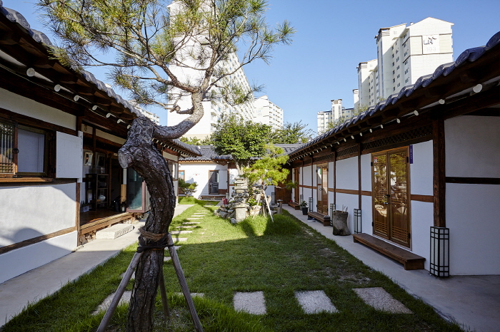 Misori Hanok Guesthouse (미소리 한옥게스트하우스)