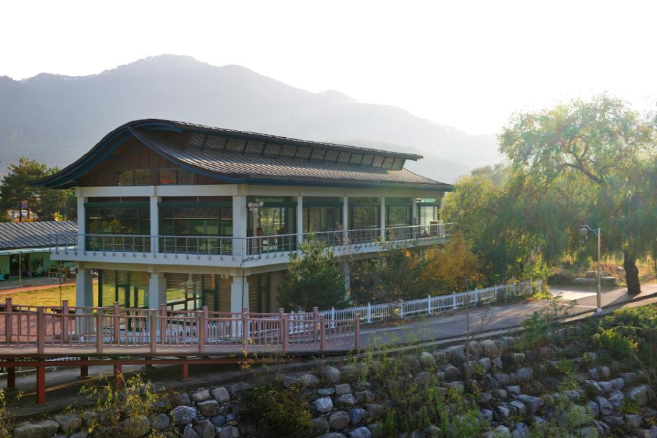 Jeongseon Arirang Training Hall (정선아리랑 전수관)