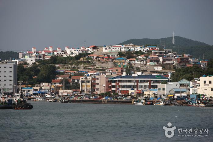 Dongpirang Village (동피랑마을)