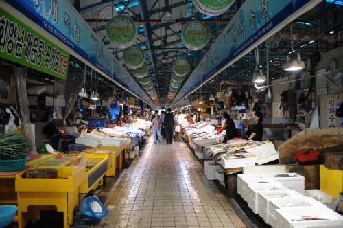 Incheon Complex Fish Market (인천종합어시장)
