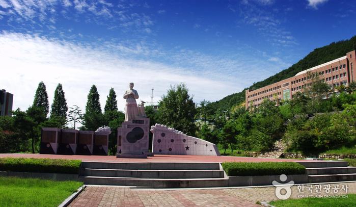 Jeongeupsa Park (정읍사...