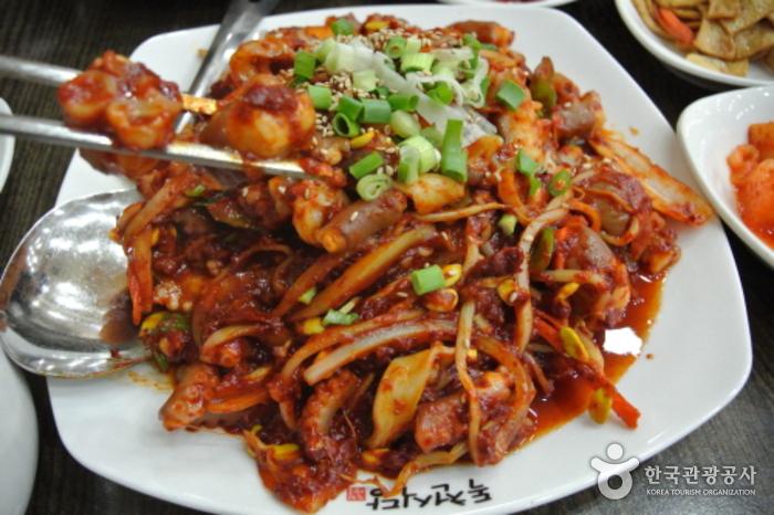 Ресторан Токчхон (독천식당)10