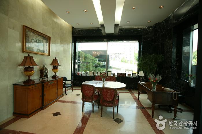 Отель Eldis Regent (엘디스 리젠트 호텔)10