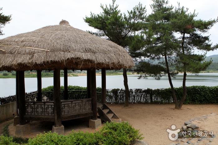 Район Кёнчхондэ у реки Нактонган (Смотровая площадка Кёнчхондэ) (낙동강 경천대(경천대 전망대))