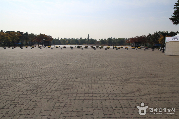 World Cup Park Ice Skating Rink (월드컵공원 스케이트장)