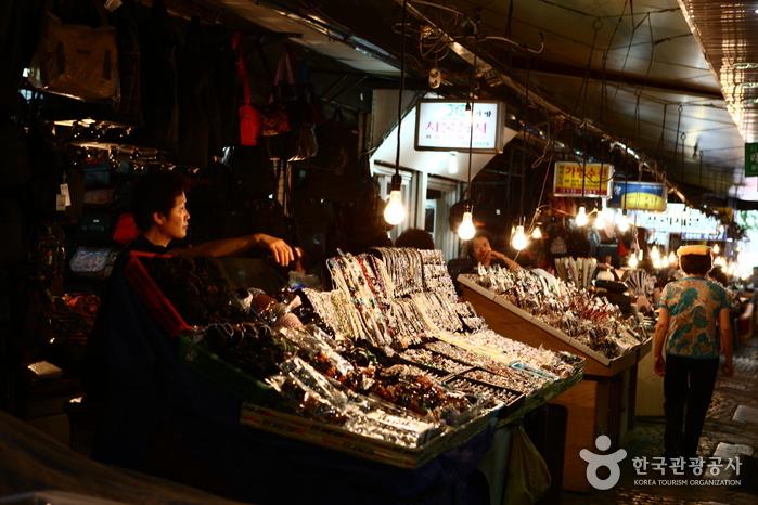 南大门市场(남대문시장)