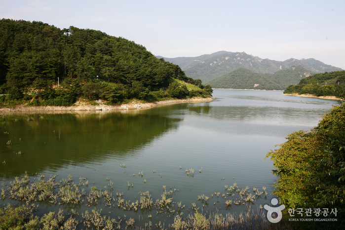 See Damyangho (담양호)