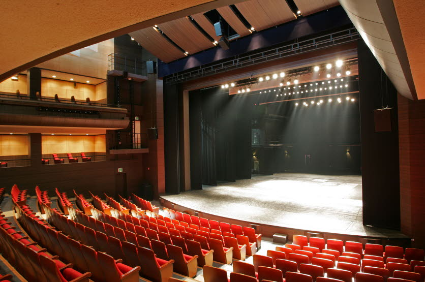 Daehangno Arts Theater (대학로예술극장)