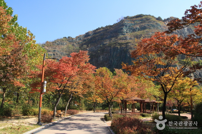Yongmasan Mountain (용마산)