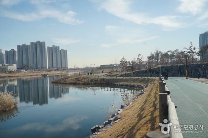 Cheongnaho Lake (청라호수공원)