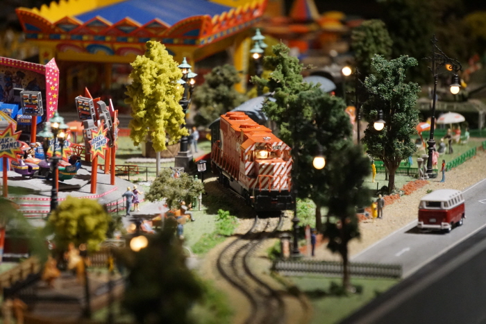 철도 위에 상상의 세계를 얹다, 부산 디오라마월드  사진