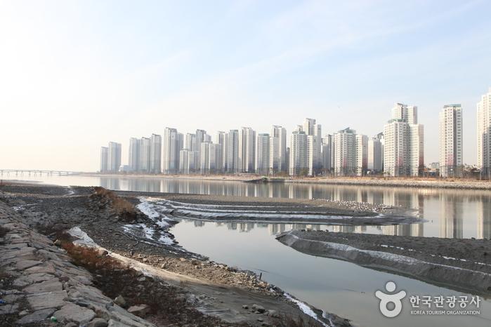 소래철교를 건너와 바라본 인천 풍경