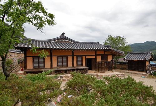 The Seongcheondaek House (주왕산 성천댁) [한국관광품질인증제/ Korea Quality]