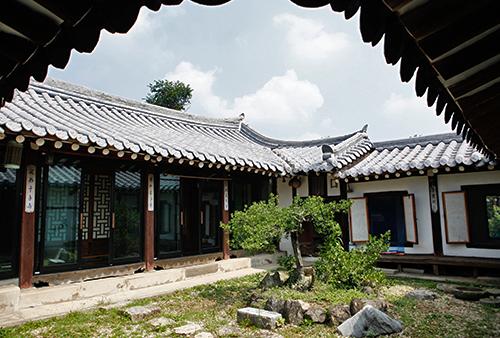 Chunchu Folk Museum ([명품고택]춘추민속관)