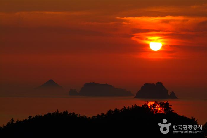 Sonnenuntergangsobservatorium Sebang (세방낙조 전망대)