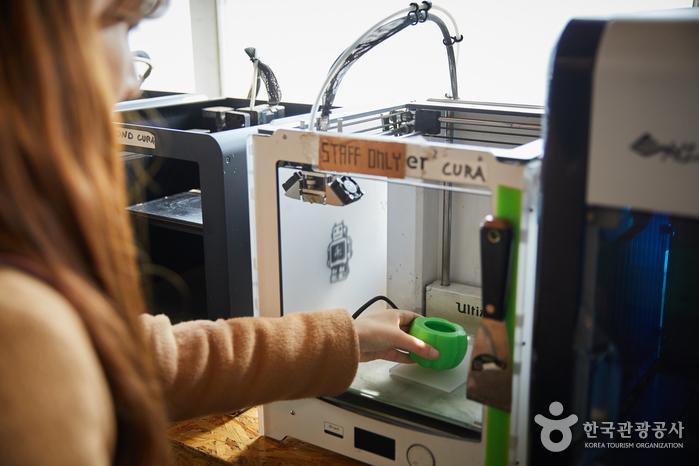 팹랩서울에 구비된 3D프린터