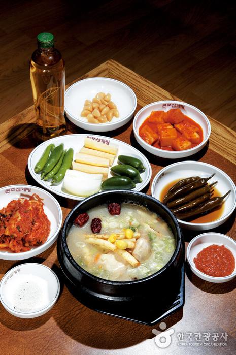 元祖参鶏湯(원조삼계탕)