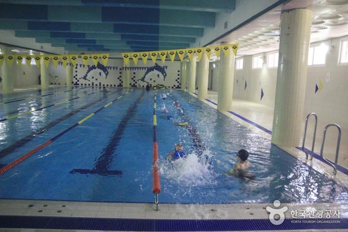 용산초등학교 실내수영장
