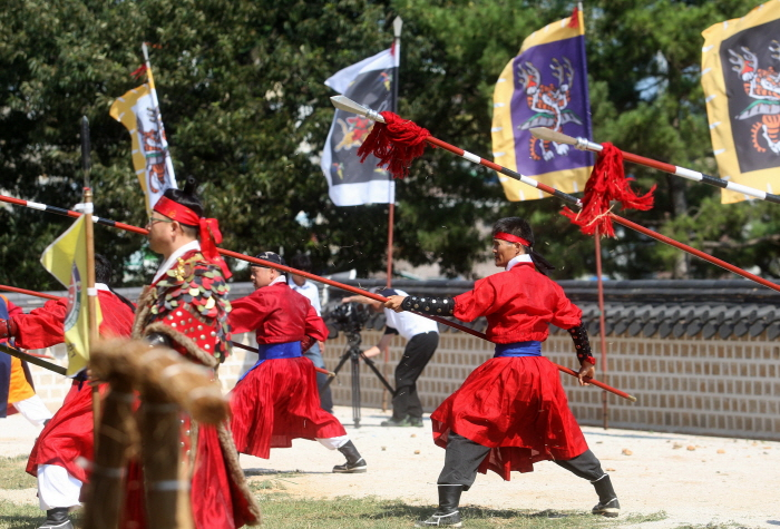 Tongyeong Hansan Battle Festival (통영한산대첩축제)