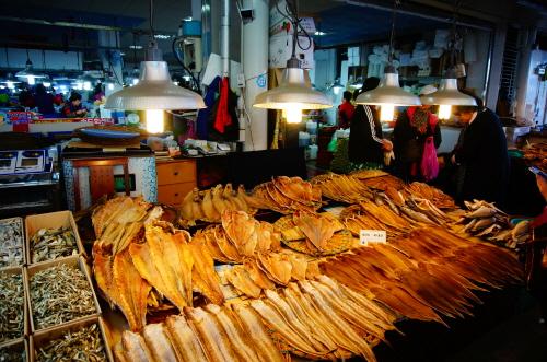 Yeosu Specialty Seafood Market (여수 종합수산시장)
