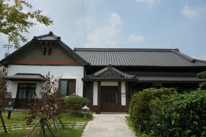 日本人地主家屋(일본인지주가옥)