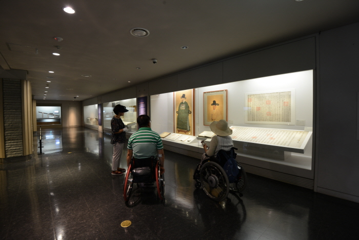 국립 진주박물관 내부