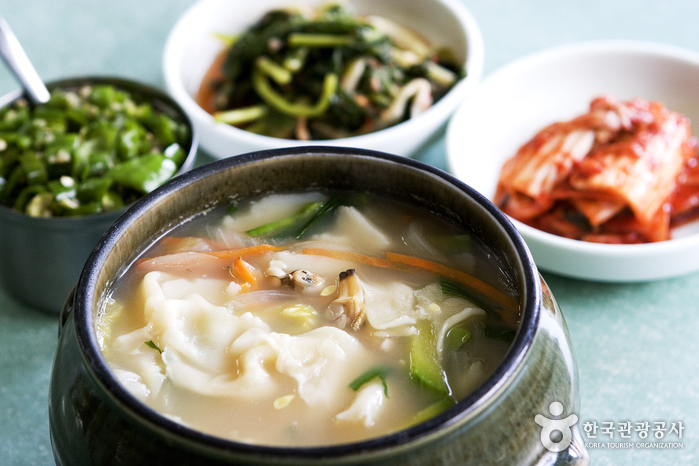 Samcheongdong Sujebi (삼청동수제비)