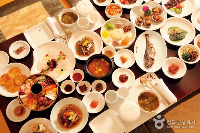 Yosokkoong (요석궁)