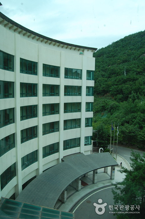 Cheongpung Resort (청풍리조트)