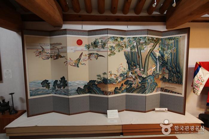 Hansangsoo Embroidery Museum (한상수 자수박물관)