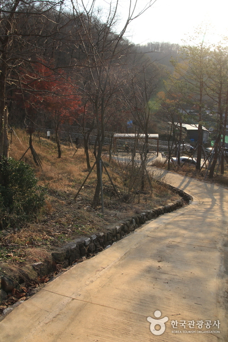 Mangusan Mountain (Seoul) (망우산(서울))