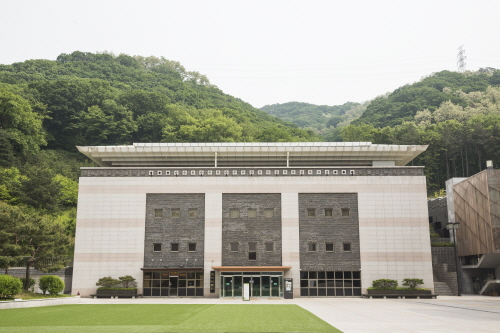 Museum of Traditional Korean Music (국립국악박물관)