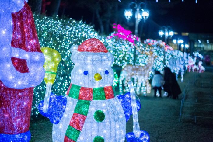 碧草池樹木園燈節(벽초지수목원빛축제)