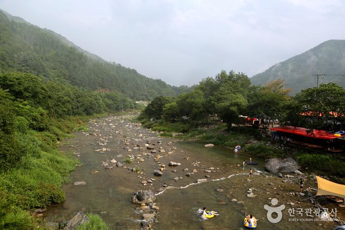 Долина Мёнчжи (명지계곡)