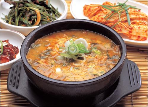 Chunhyanggol Namwon Chueotang (춘향골남원추어탕)