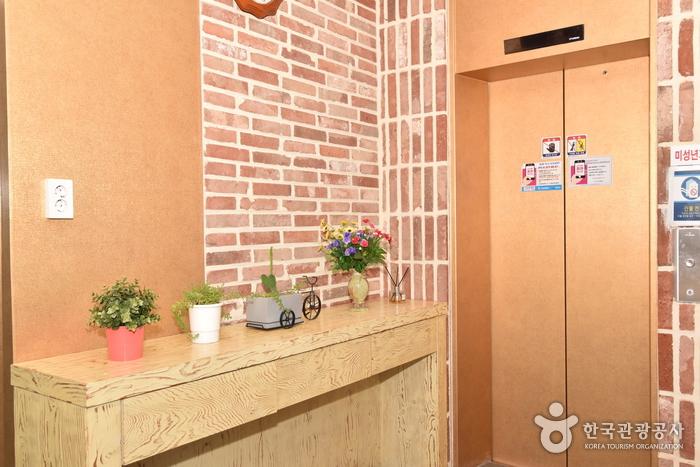 パンディップリモーテル[韓国観光品質認証]반딧불이모텔[한국관광품질인증제/ Korea Quality]