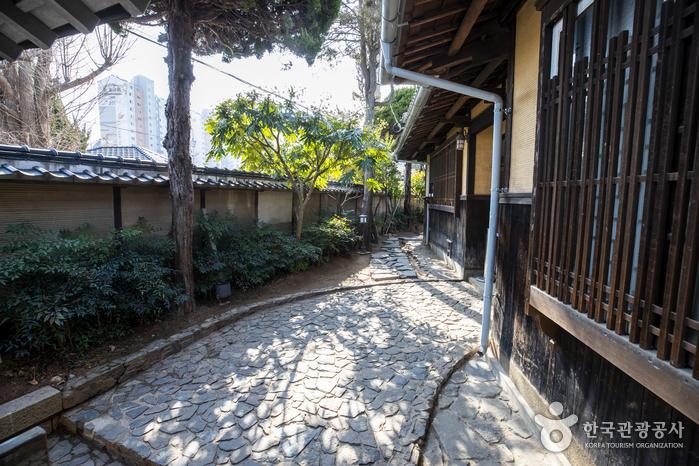 Японский традиционный дом в Кунсане (Дом Хироцу) / (군산 신흥동 일본식가옥(히로쓰 가옥))
