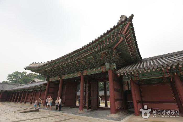 昌德宫仁政门(창덕궁 인정문)