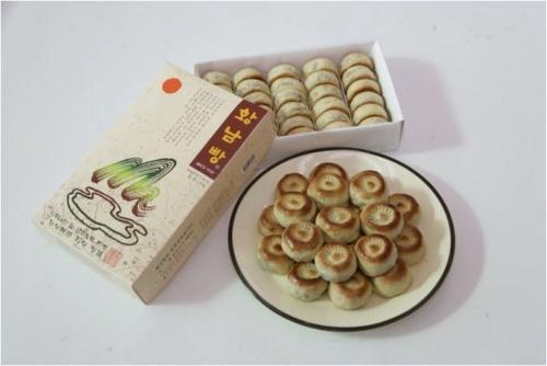 Hwangnam Bread (황남빵)