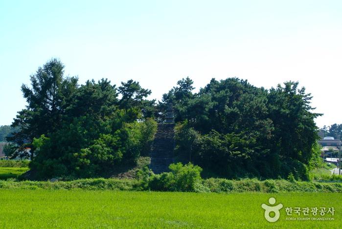안성도기동삼층석탑