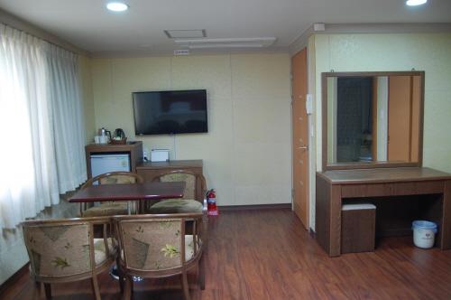 ソウルYMCA観光ホテル(서울YMCA관광호텔)