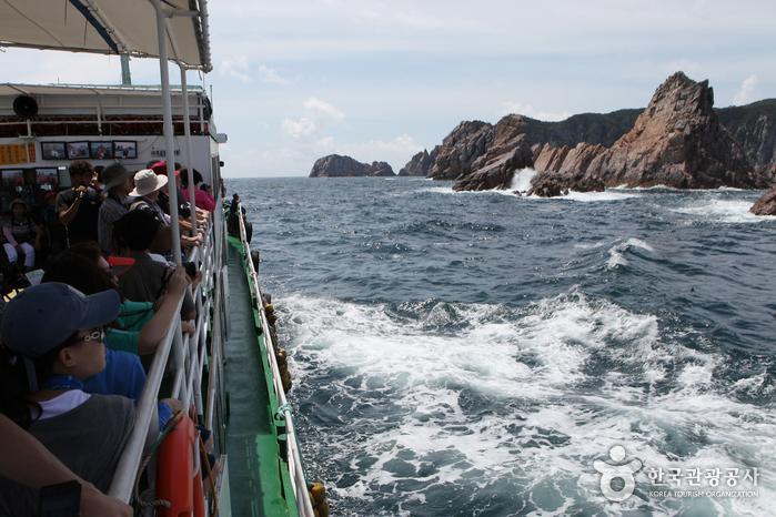 홍도유람선 해상관광