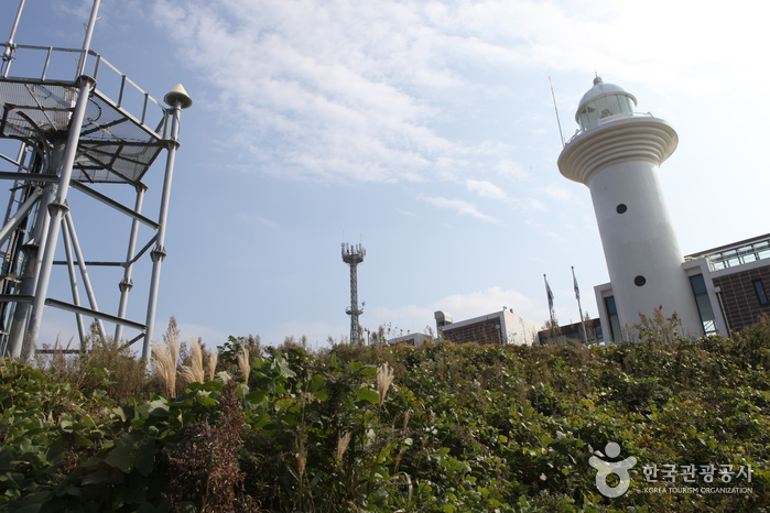 Ulleungdo Lighthouse (울릉도 등대)