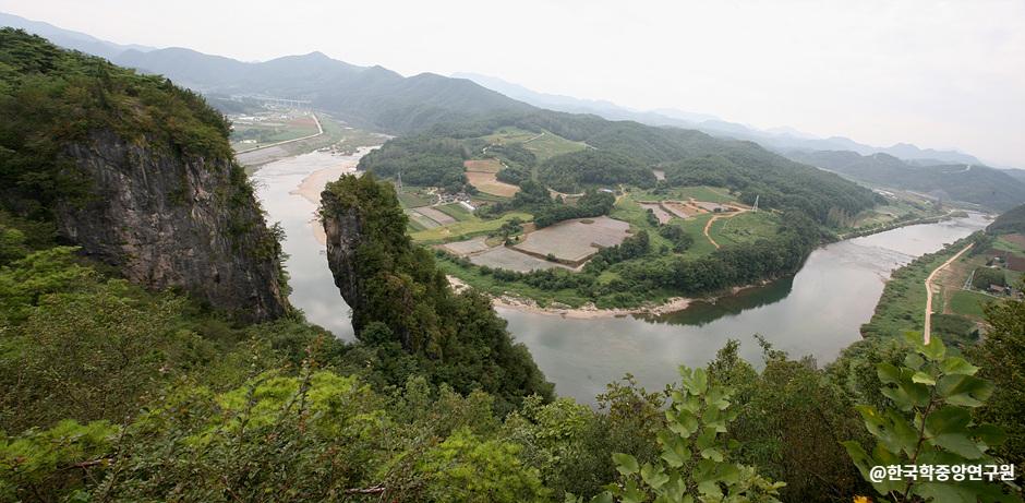 ソンドル(江原古生代国家地質公園)(선돌(강원고생대 국가지질공원))