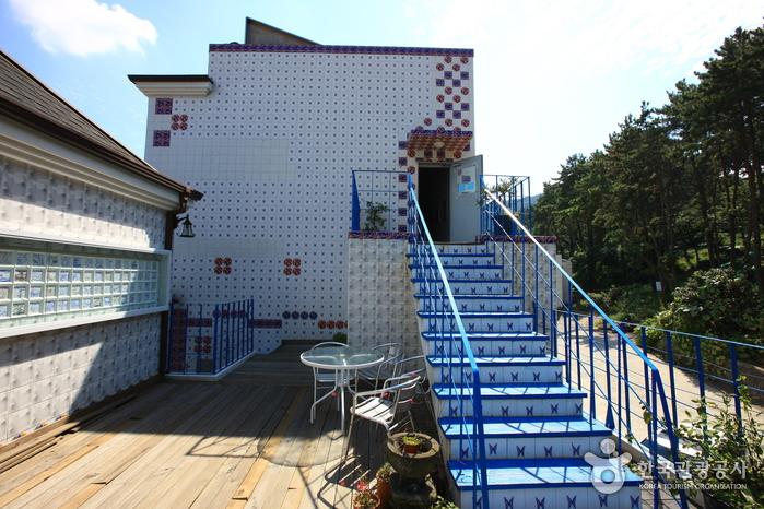 Художественный музей Чон Хёк Лима (전혁림 미술관)5