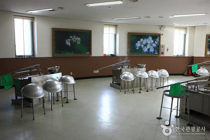Chuncheon Makguksu Museum (춘천막국수체험박물관)