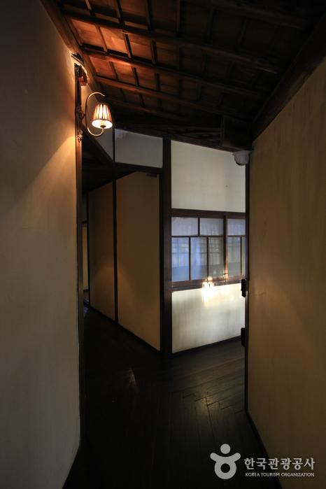 Японский традиционный дом в Кунсане (Дом Хироцу) / (군산 신흥동 일본식가옥(히로쓰 가옥)) 18