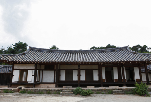 eongjae Traditional House (정재종택)