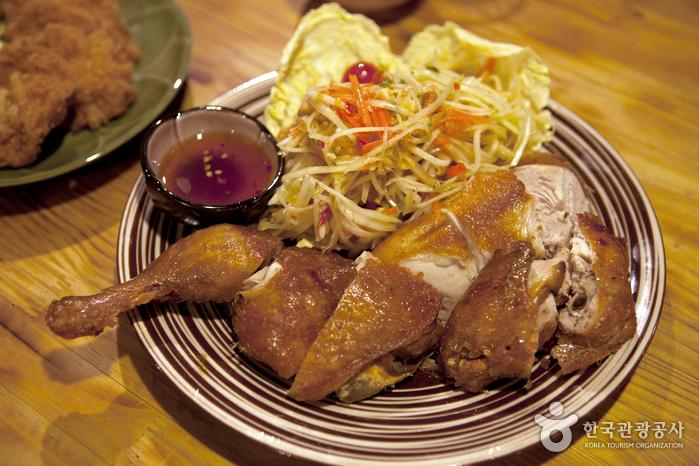 Tuk Tuk Noodle Thai (툭툭누들타이)