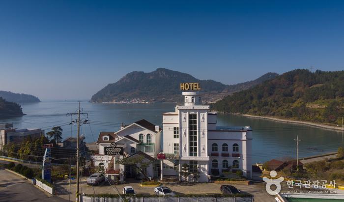 白い夕焼けホテル[韓国観光品質認証](하얀노을 호텔 [한국관광품질인증제/ Korea Quality])